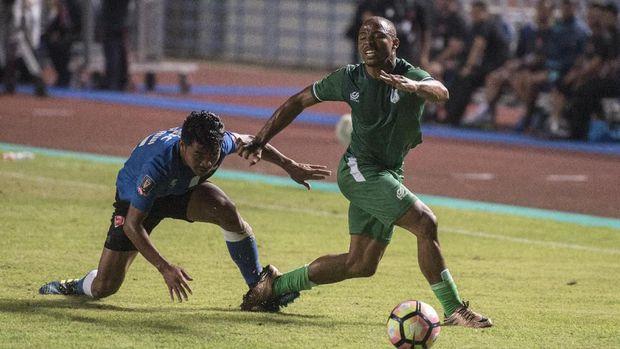 PSMS yang memenangi dua lawan awal justru kalah dari Sriwijaya FC pada pertandingan terakhir. (ANTARA FOTO/Novrian Arbi)