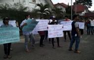 Unjuk Rasa Damai LSM Lasser Desak DPRD Lakukan Interpelasi Kepada Wali Kota Siantar Hefriansyah