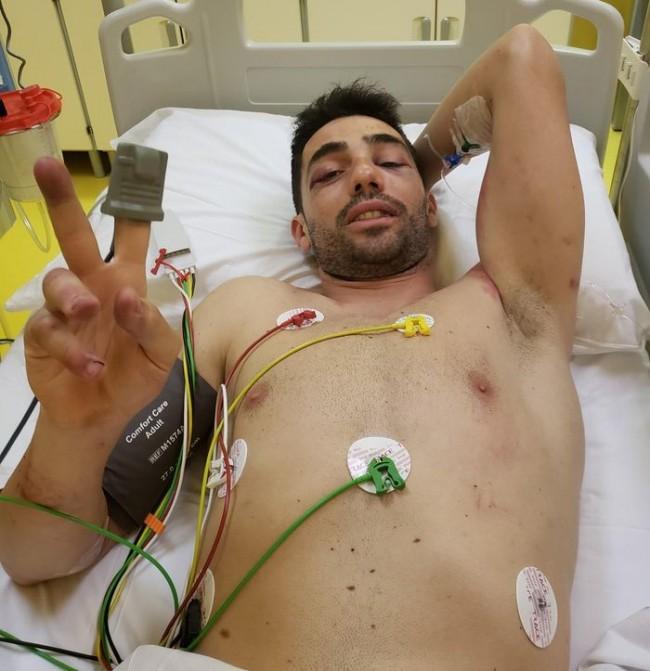 Michele Pirro setelah mendapat penanganan medis/Twitter/MotoGP