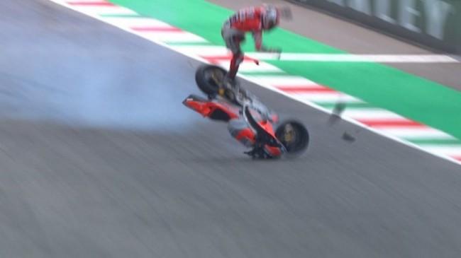 Detik-detik Kecelakaan Hebat Pembalap Ducati di GP Italia