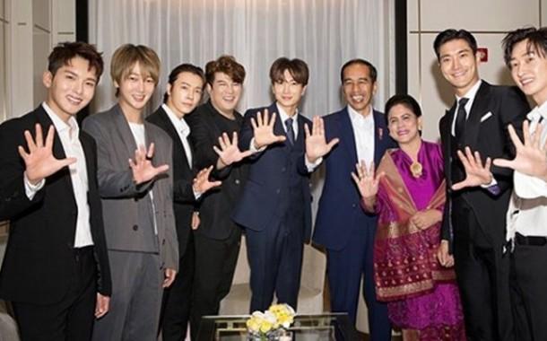 3 Member Super Junior ini Unggah Foto Keakraban dengan Presiden Jokowi, Ada yang Wefie Bareng Juga