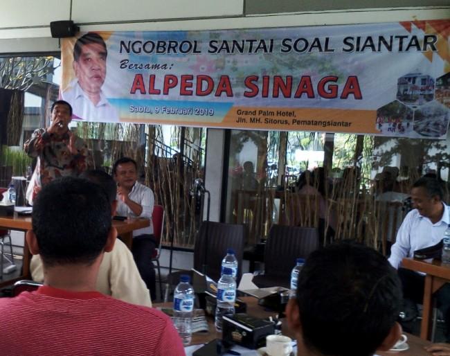 Bersama Alpeda Sinaga, Diskusi