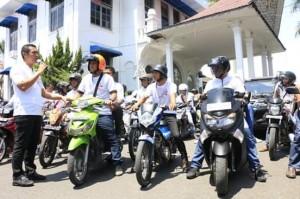 Walikota Pematangsiantar Hefriansyah melepas peserta dihalaman Balai Kota Siantar.