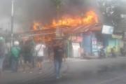 Kebakaran Di Jalan Kartini, Depan Taman Siswa Siantar, Rumah dan 3 Warung Terbakar