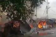 Breaking News : Sejumlah Warung Di Stasiun KA Siantar Ludes  Terbakar