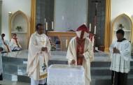 Uskup KAM Mgr. Kornelius Sipayung, OFM.Cap Memberkati Gereja St. Petrus dan Paulus Stasi Termin
