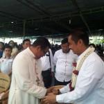 Mgr. Kornelius Sipayung, OFM.Cap (kiri) Saat Menerima dan Menyalam Kehadiran Walikota Pematangsiantar, H. Hefriansyah, SE, MM (kanan) / Foto : Agus