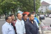 Sejumlah DPRD Siantar Cuci Tangan Di 1 Unit Wastafel Portable Atas Inisiatif Sendiri