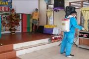 Cegah Covid-19 Kelompok Cipayung Siantar Lakukan Penyemprotan Disinfektan di Rumah Ibadah dan Sekolah