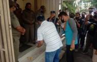Positif COVID-19 Meroket, GMKI Gelar Aksi Tabur Bunga di Gedung DPRD Siantar dan Posko GTPP
