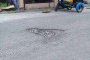 Jalan Berlubang Di Siantar Perlu Perbaikan, Warga Pertanyakan Kinerja Dinas PUPR