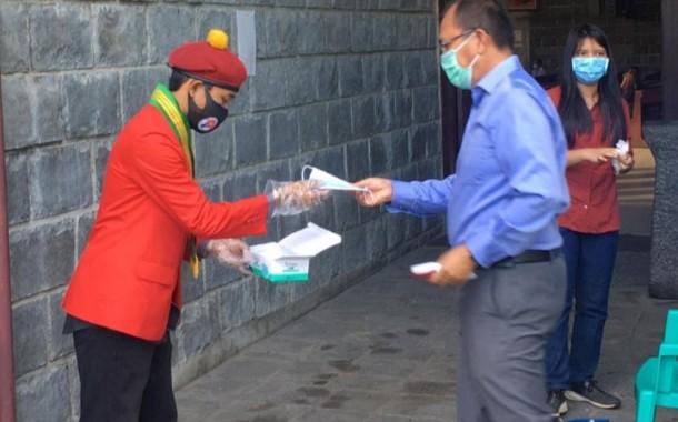 Kritik Pemerintah, PMKRI Cabang Medan Bagikan Ribuan Masker Dengan Menerapkan Prokes